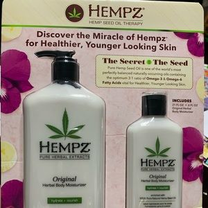 ✨ Hempz Herbal body moisturizer ✨
